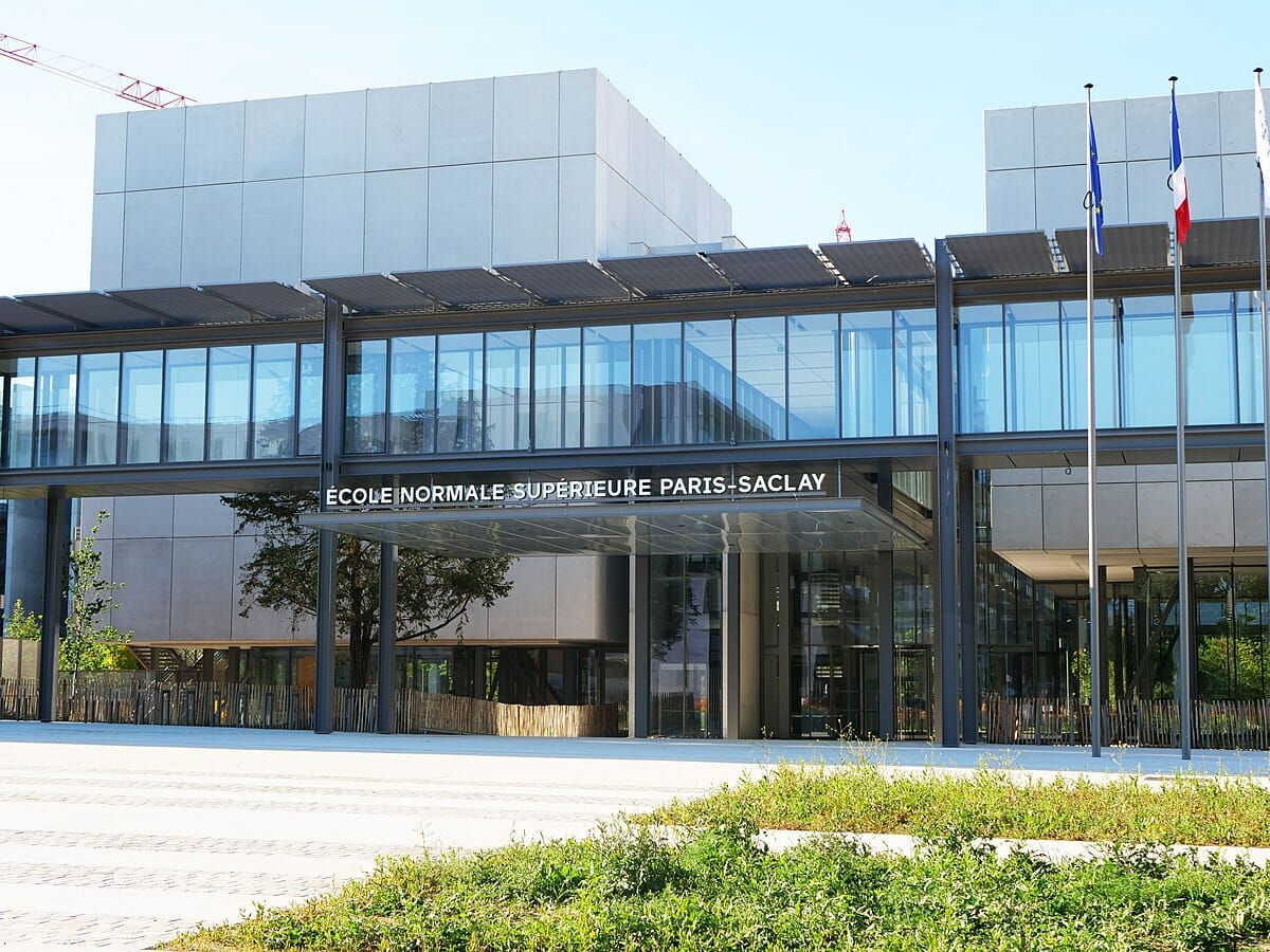 Apply For Master's Scholarship at Université Paris-Saclay to Study in France