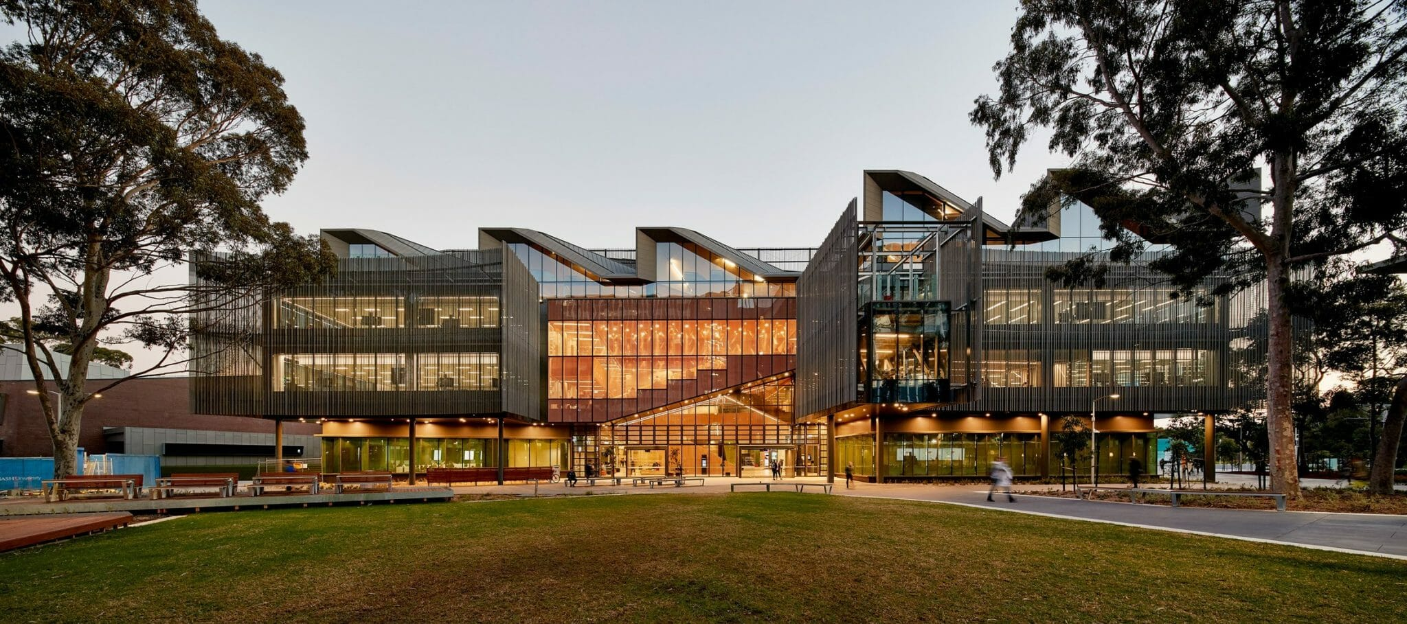 Monash International Tuition Scholarship (MITS) in Master and PhD in Australia for 2021