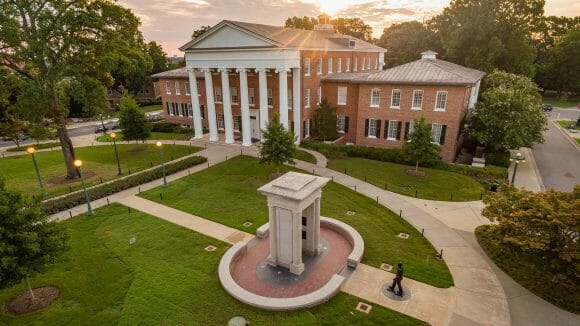 Apply Now For University of Mississippi Scholarships for International students to study bachelor 2021