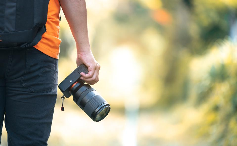 Take a photo while traveling and win in Travel Icons competition with photocrowd 2021