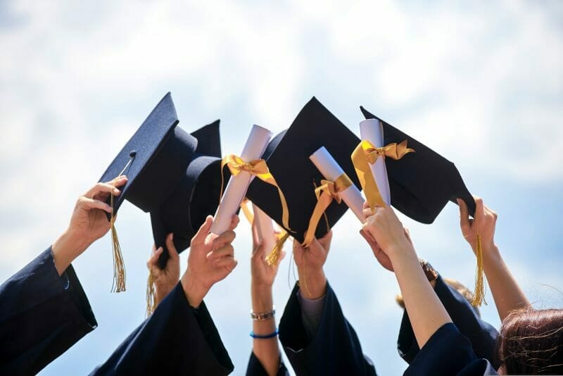 Breaking Barriers Studentship Award for international graduates to study in the UK at Surrey university 2021